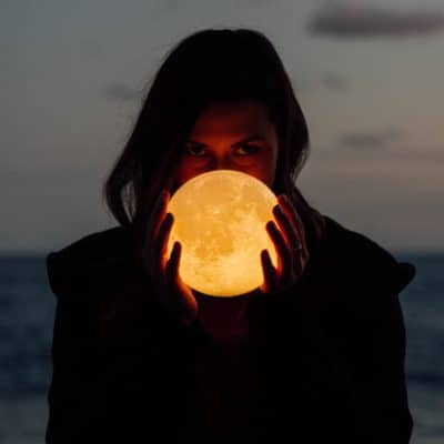 5 Best Practices to Manifest During a Full Moon